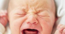 Neugeborenes schreit ohne Ende - Was soll man tun