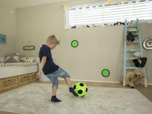 Bewegungsspiel Kick Stick Torwand für dein Kinderzimmer von Heyer